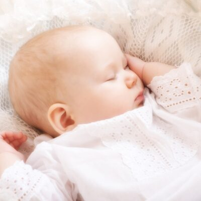 10 Easy Ways to Fix Your Newborn's Day Night Confusion
