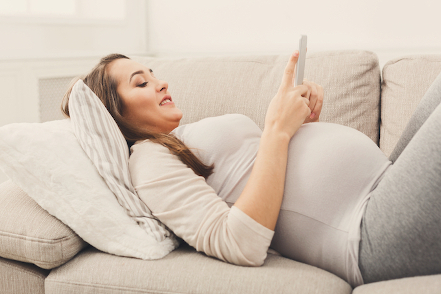 pregnant woman setting up amazon registry