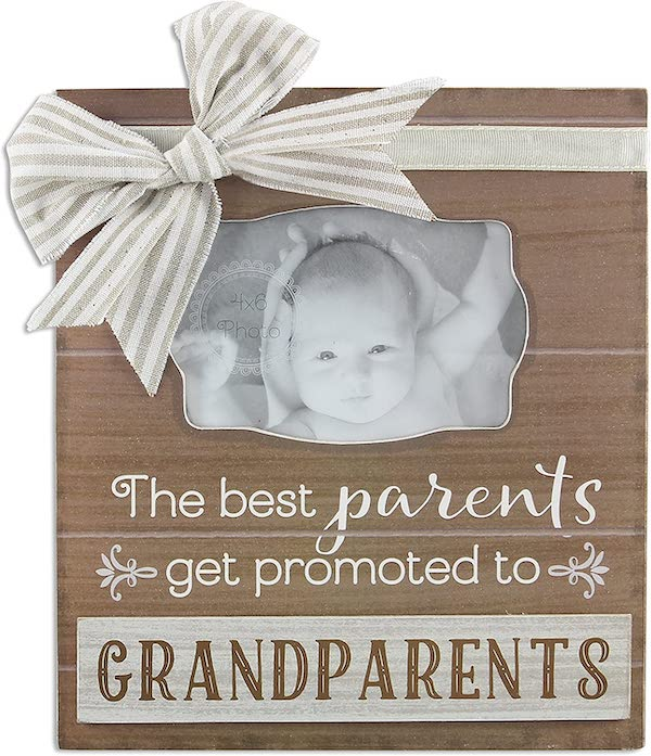 picture frame to announce pregnancy to family