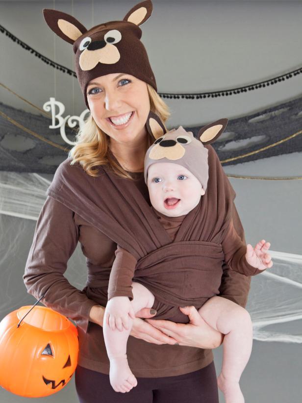 mom and baby Kangaroo babywearing halloween costumes