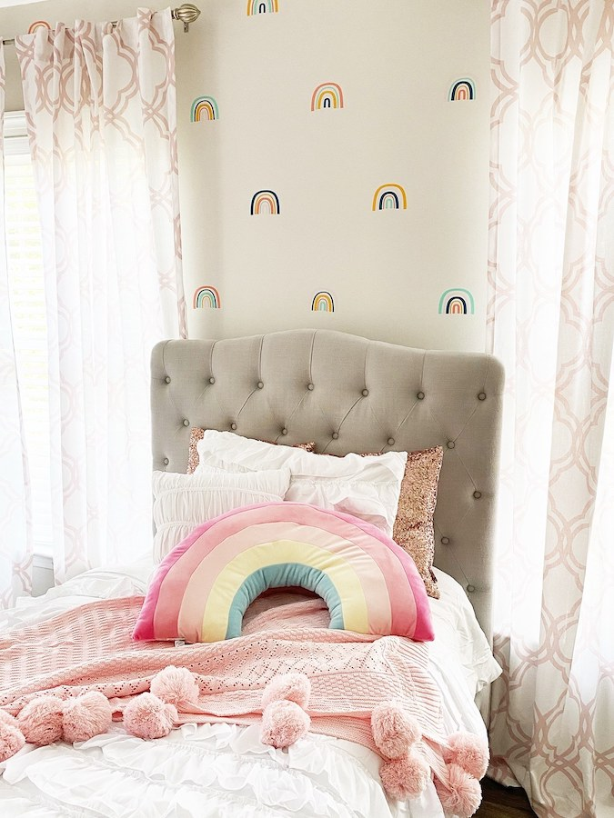 girl's rainbow themed room