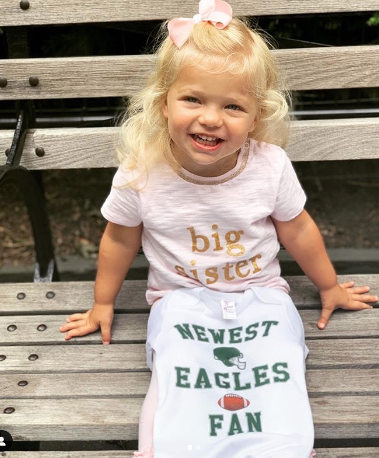 Football pregnancy announcement of big sister