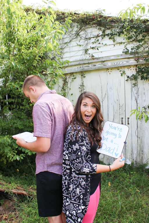 surprise pregnancy photoshoot to husband