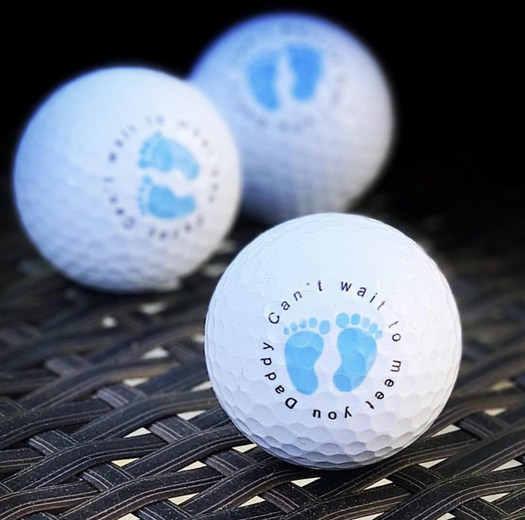 golf balls to announce pregnancy to husband