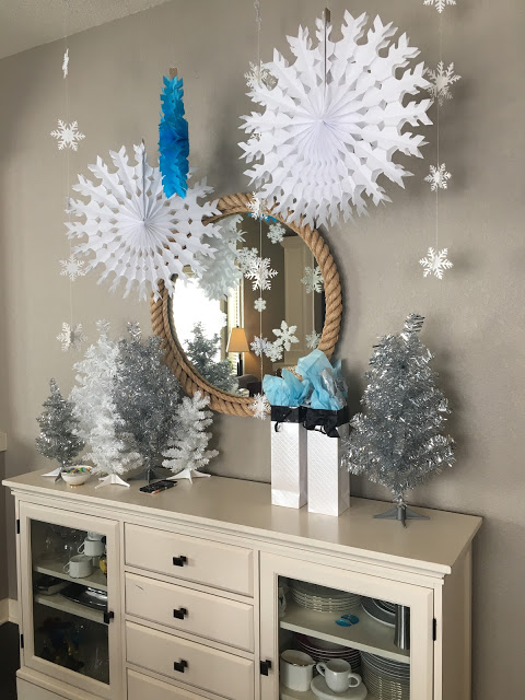 winter baby shower - snowflake decor