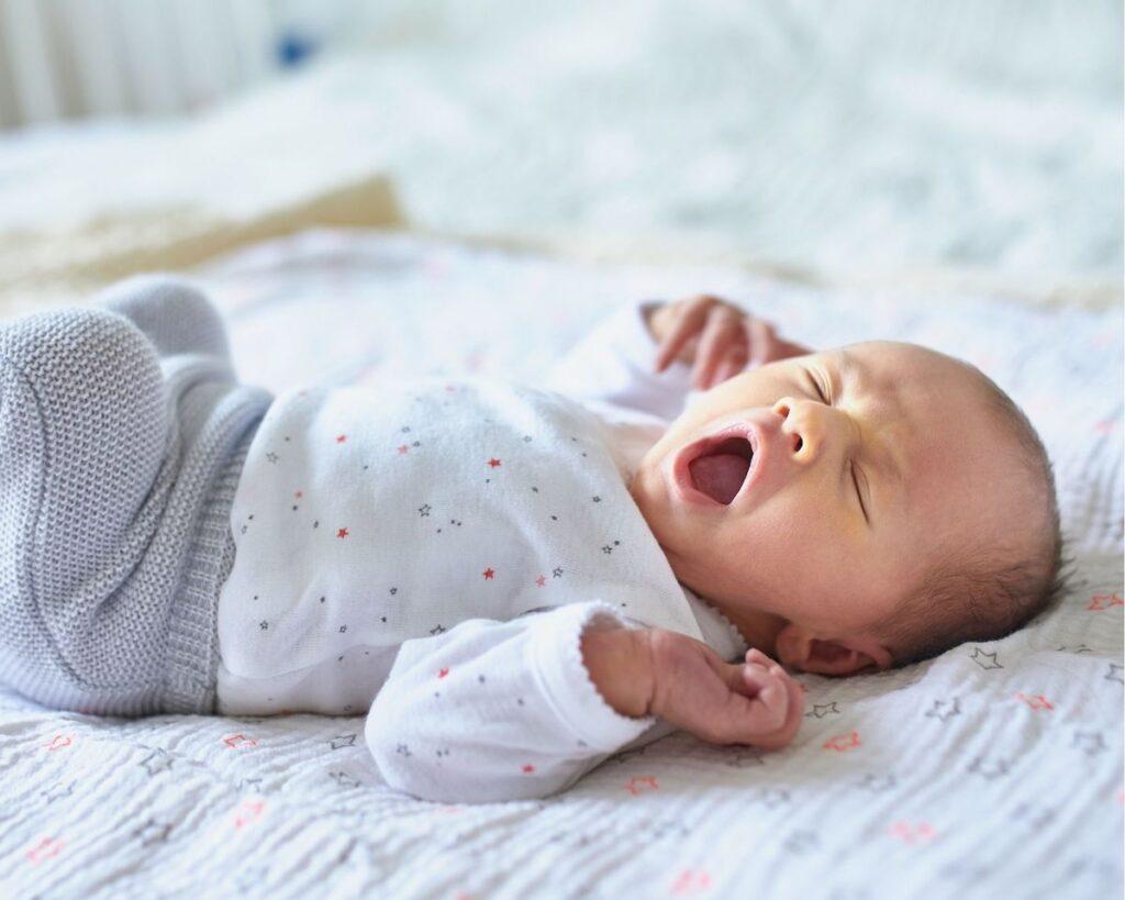 help reflux baby sleep