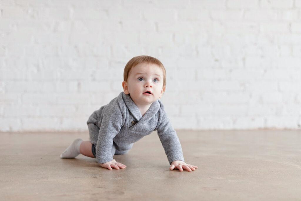 Baby sleep consultant tips - eat play sleep